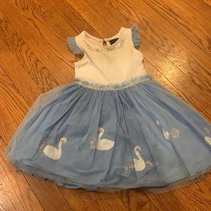 Swan dress size 4t